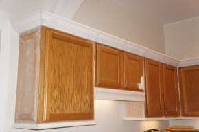 From Cookie-Cutter to Custom: Spicing up the Kitchen with Decorative Molding